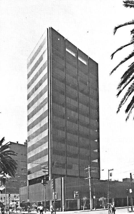 Edificio de Oficinas y Comercio, Augusto H. Álvarez. Image Cortesía Tumblr Una Vida Moderna