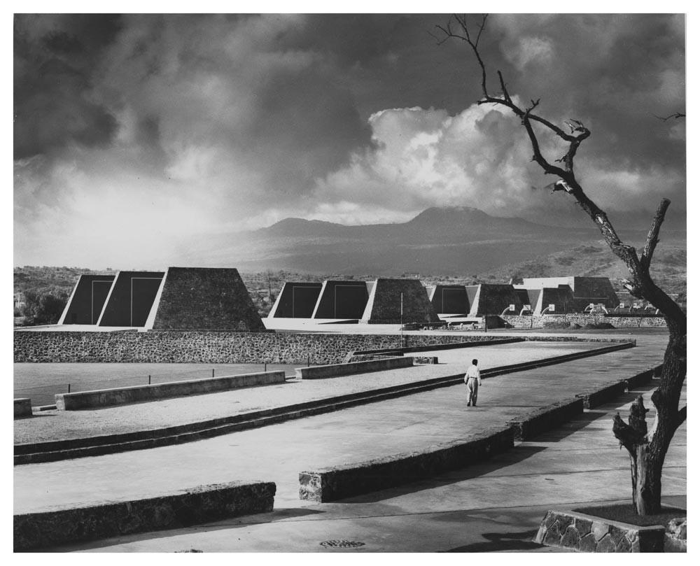 Los Frontones de Ciudad Universitaria, Alberto T.Arai. Image © Juan Guzmán