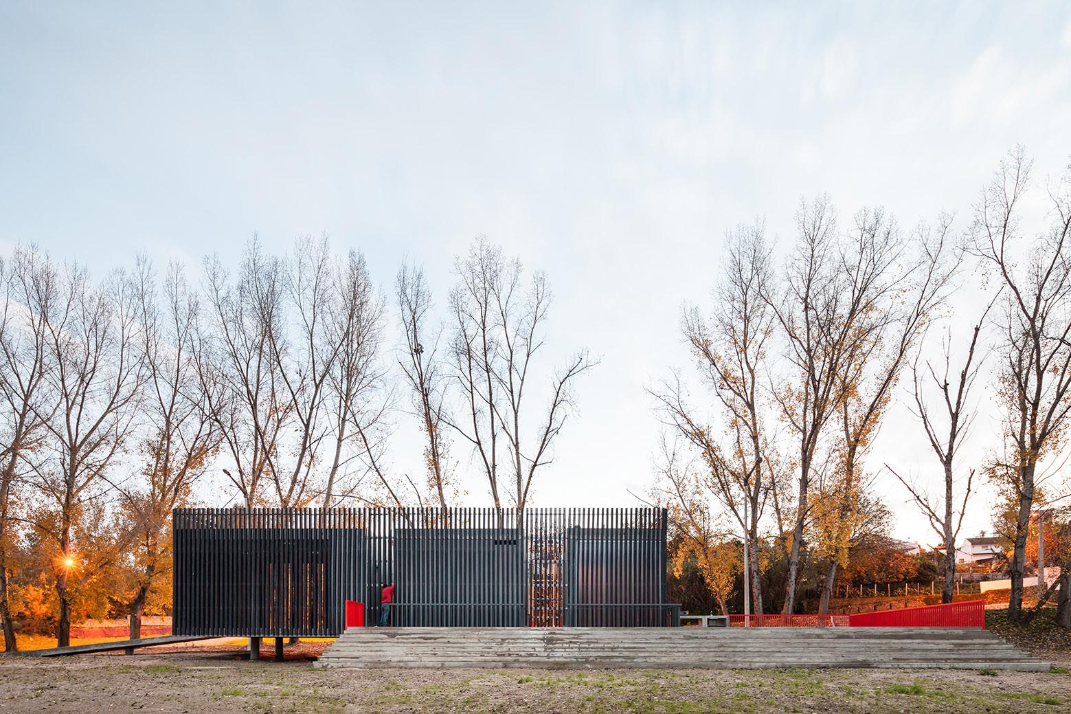 Centro de Piragüismo en Alvega / ateliermob, © Francisco Nogueira