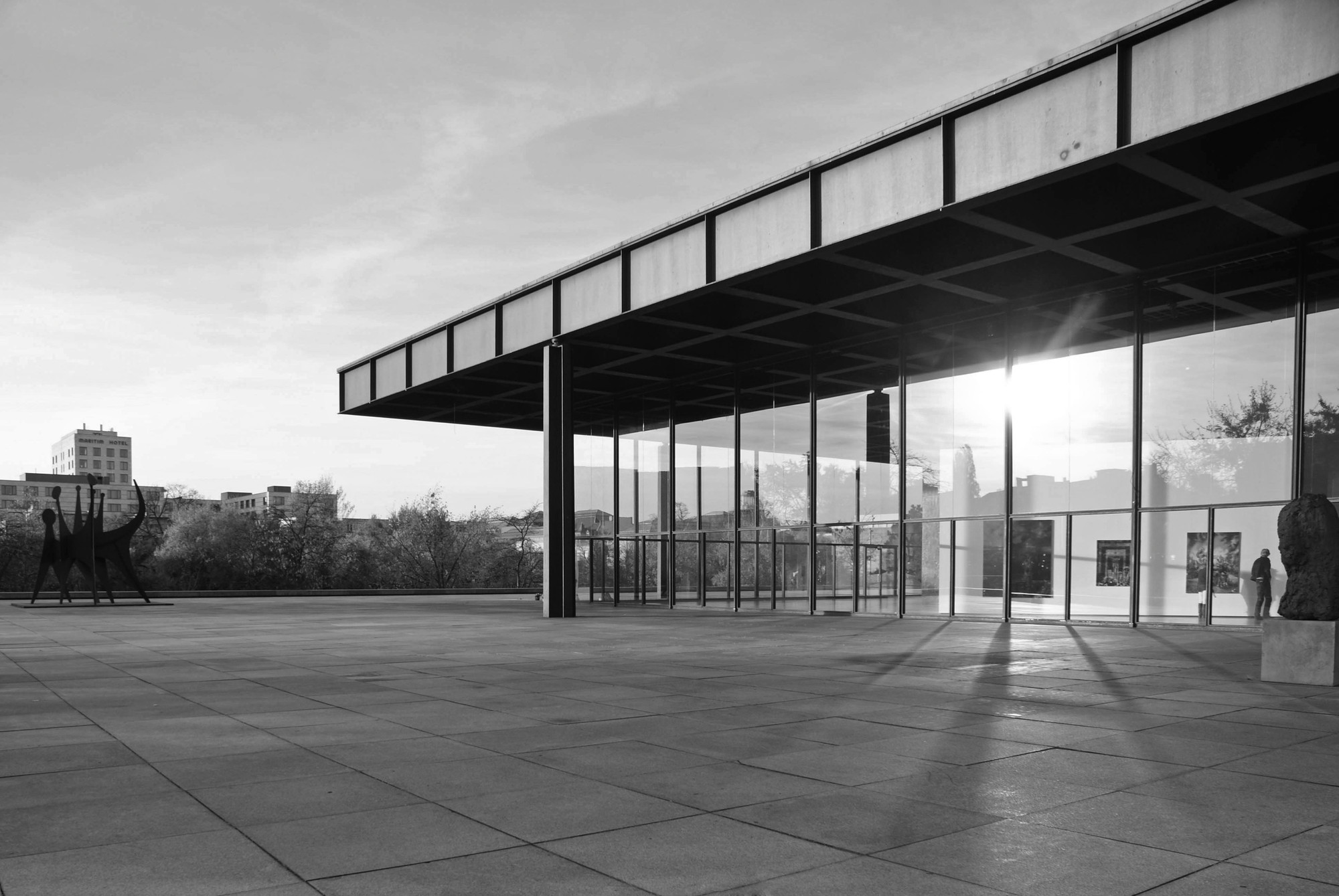 cl sicos de arquitectura neue nationalgalerie mies van der rohe plataforma arquitectura. Black Bedroom Furniture Sets. Home Design Ideas