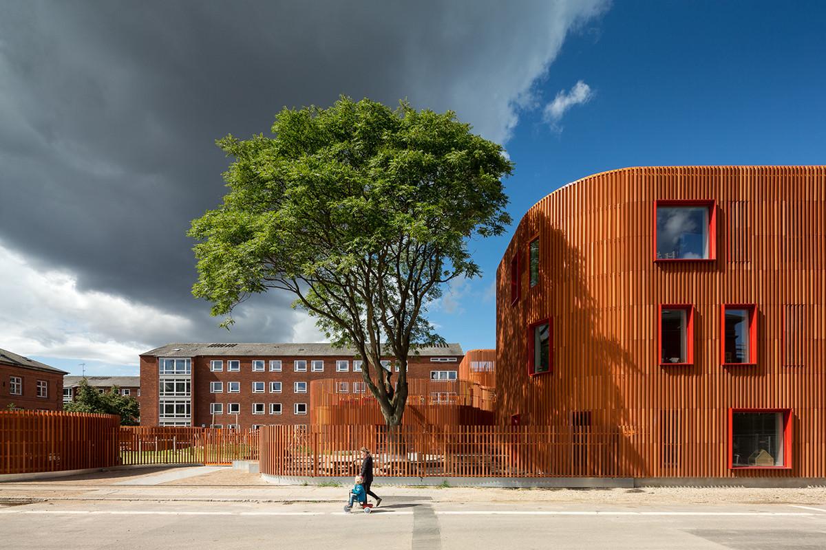 Jardín infantil Forfatterhuset / COBE. Imagen © Adam Mørk
