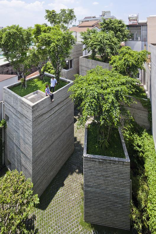 Casa de los árboles / Vo Trong Nghia Architects. Imagen © Hiroyuki Oki
