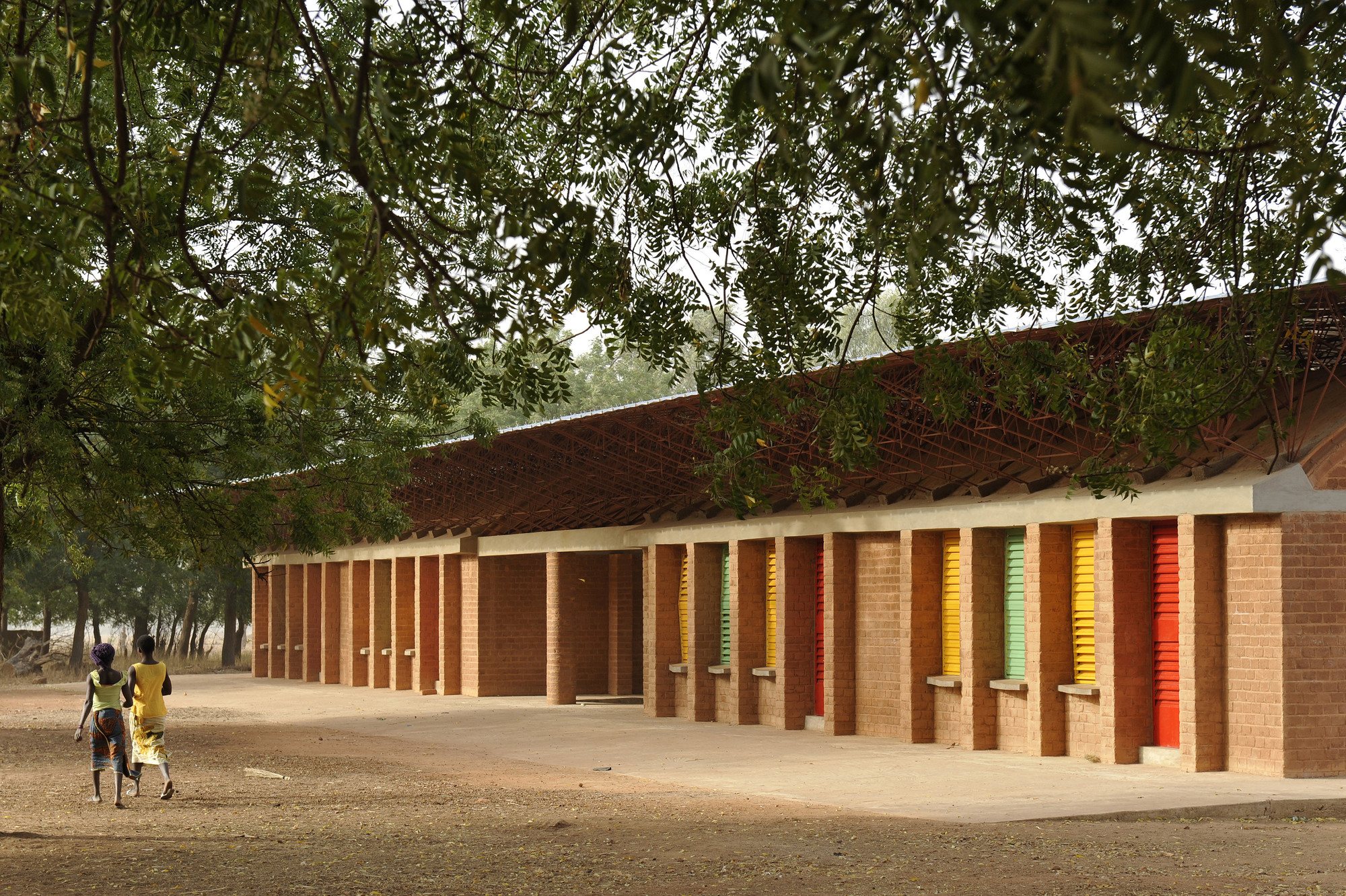 The Gando School Extension in Gando, Burkina Faso. Image © Erik Jan Ouwerkerk