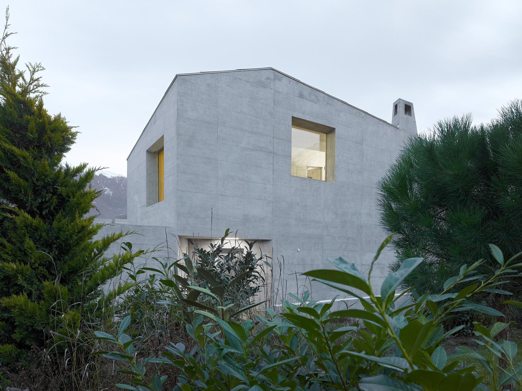 gallery of maison fabrizzi savioz fabrizzi architectes 3. Black Bedroom Furniture Sets. Home Design Ideas