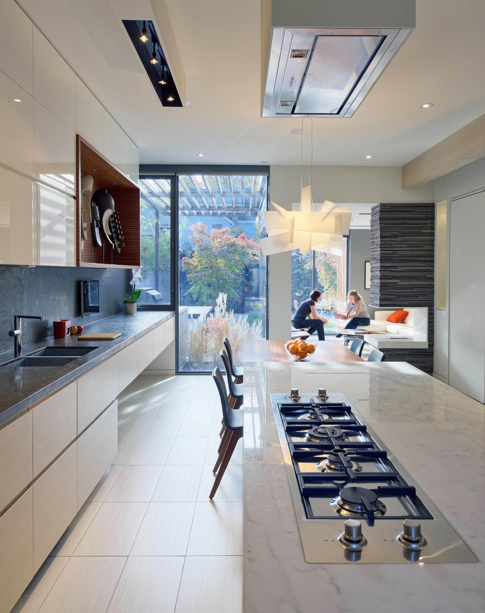 Galer a de through house dubbeldam architecture design 3 for Dubbeldam architecture and design s contrast house