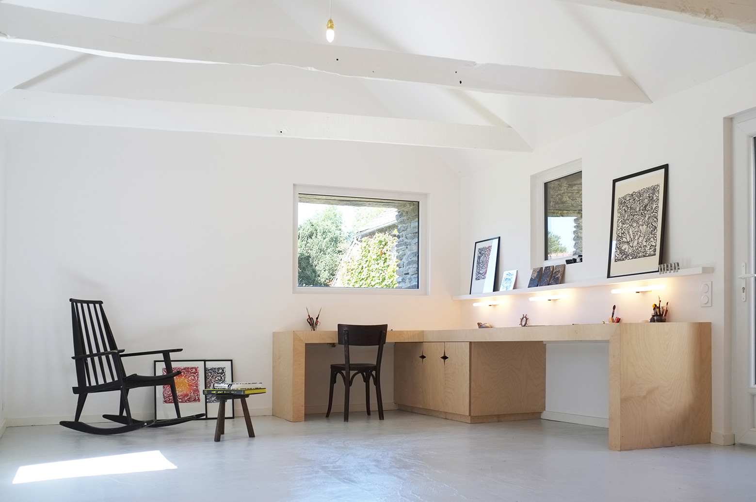 An old breton barn converted into an artist studio modal for Minimal house artists