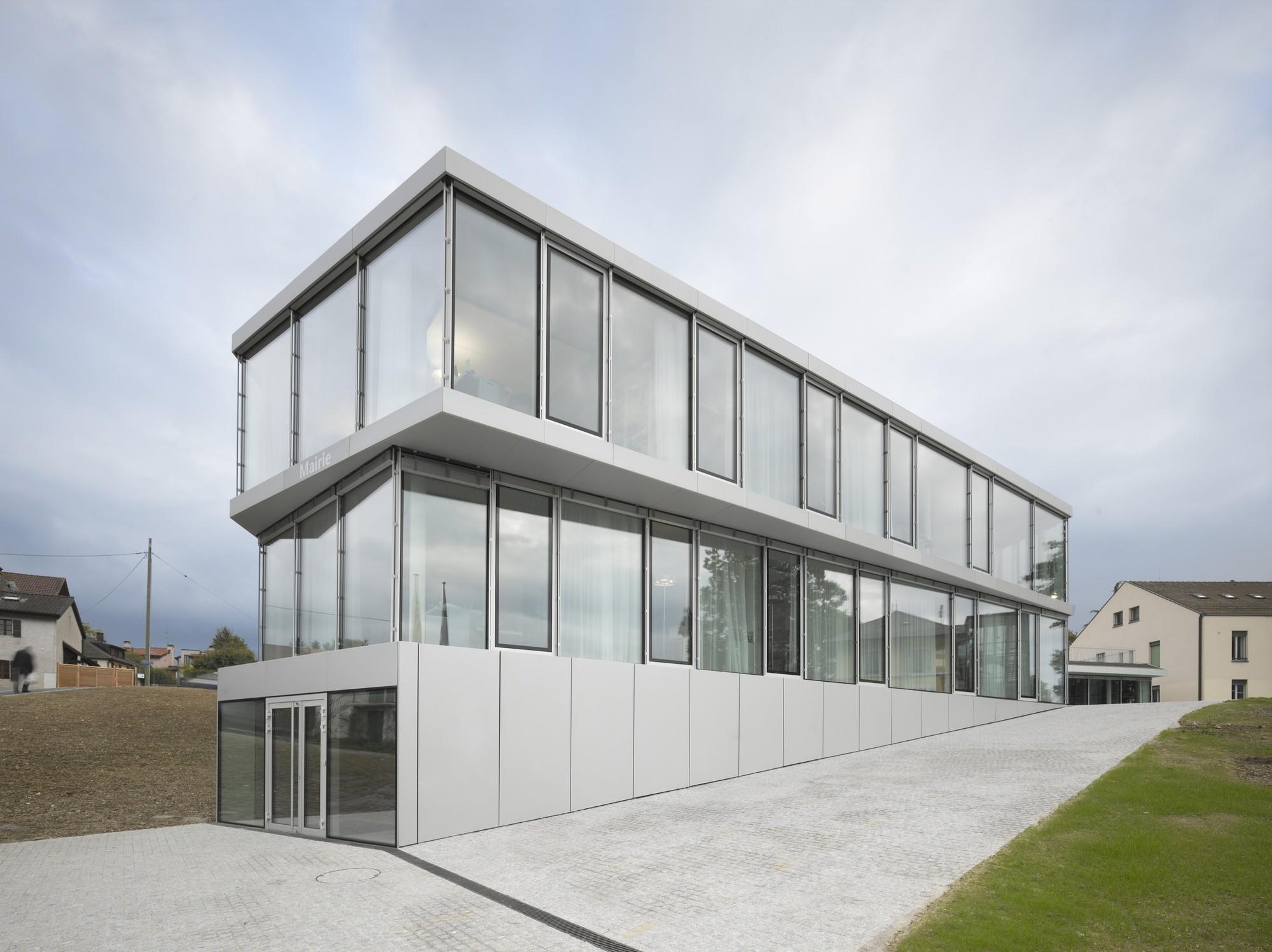 Bernex City Hall / Personeni Raffaele Schärer Architects, © Roland Halbe