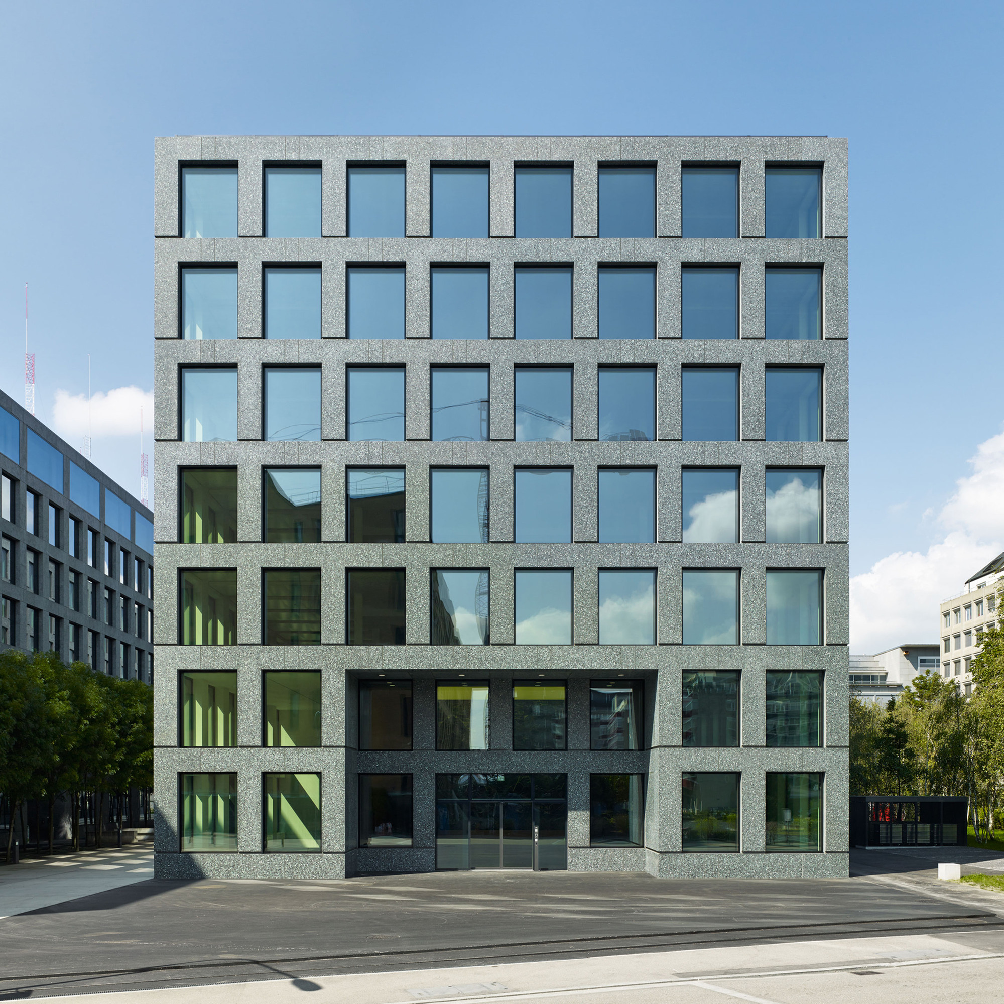 Herostrasse office building max dudler archdaily for Stone building facade