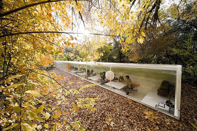 Oficinas de SelgasCano, oficina española escogida para diseñar el pabellón de la edición 2015 de Serpentine Gallery. Image ©  Iwan Baan