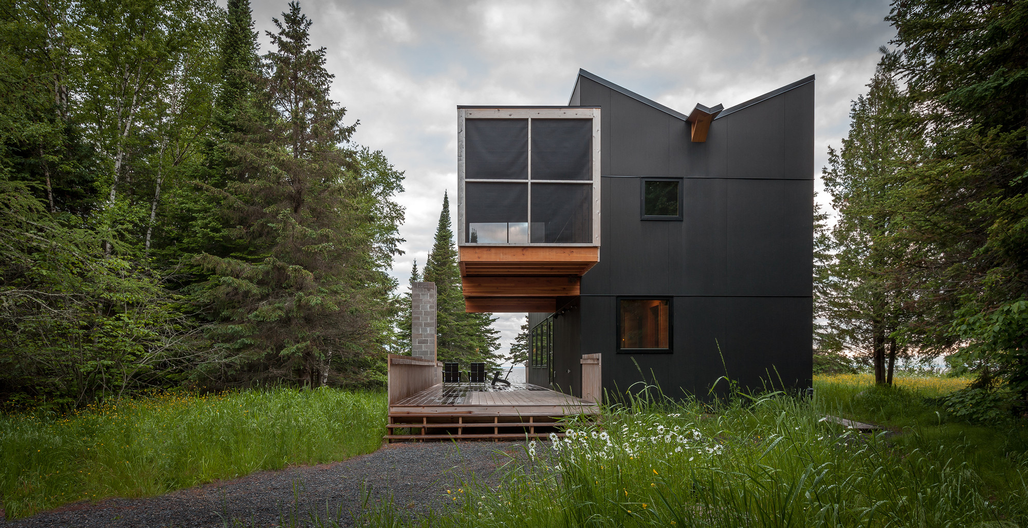 Refugio familiar / Salmela Architect, © Paul Crosby