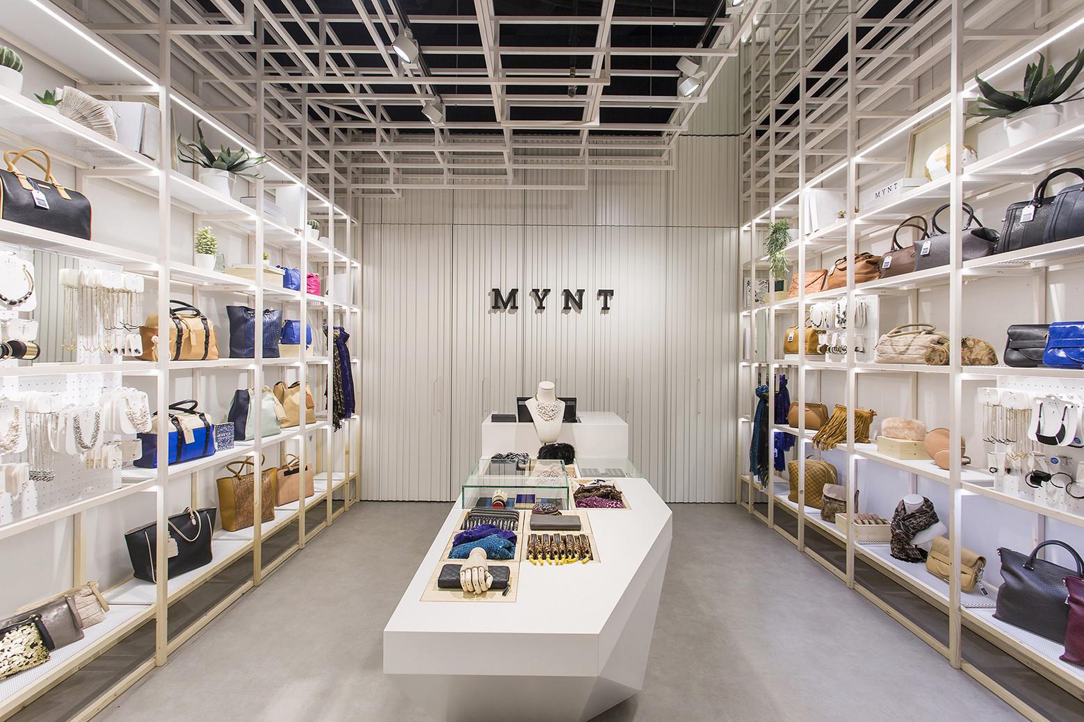Mynt Flagship Store / Dear Design, © Xavi Torrent