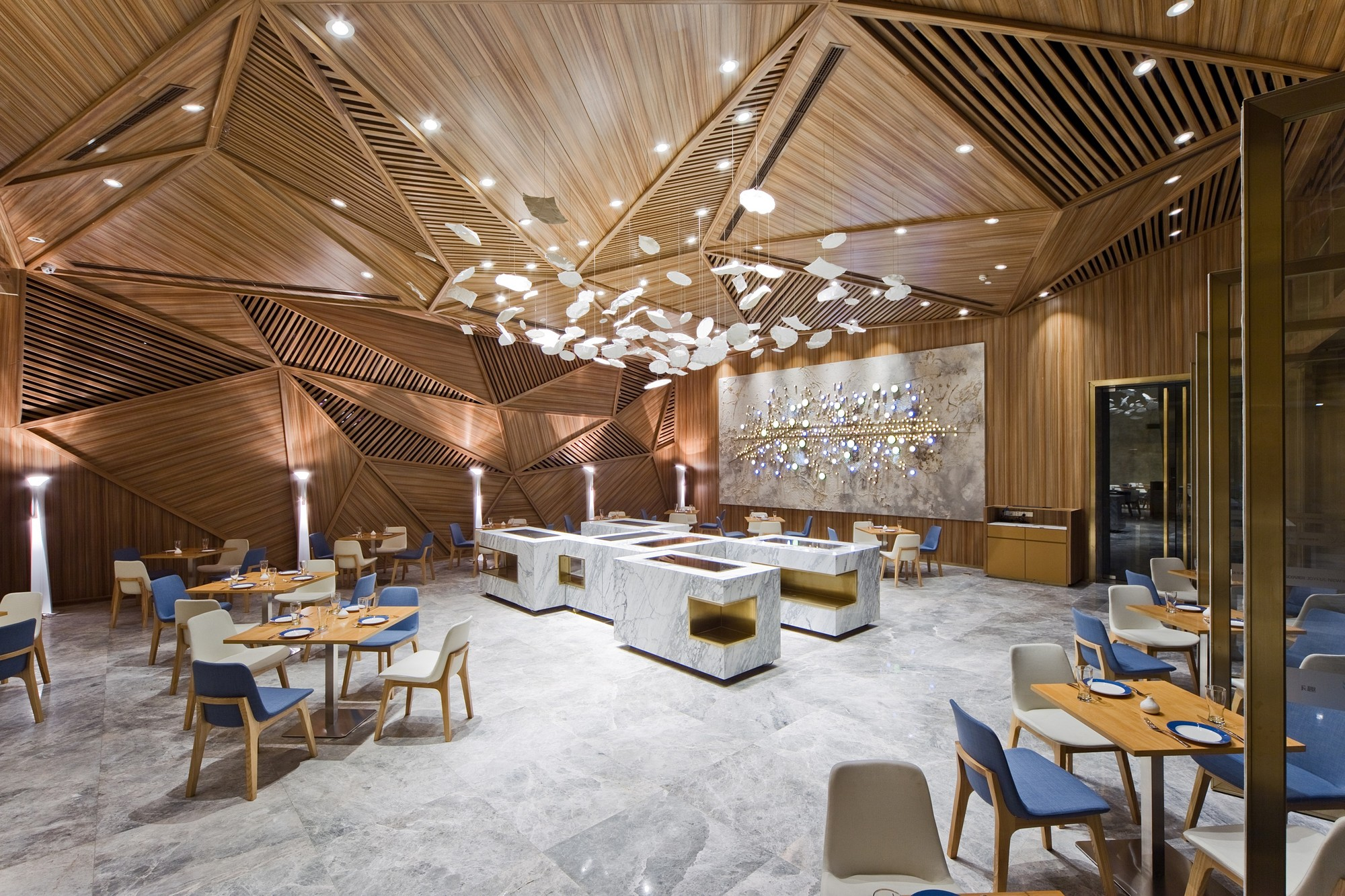 Yue restaurant panorama archdaily