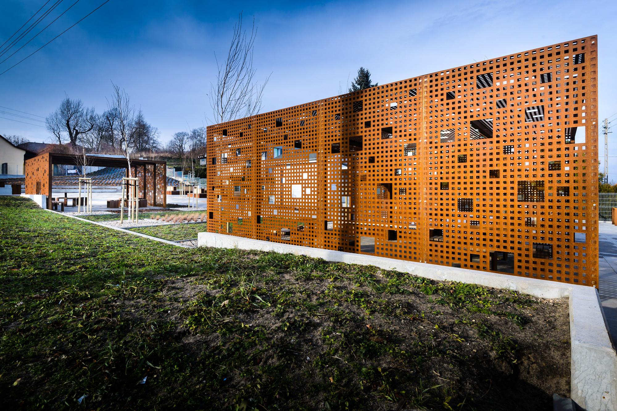 Espacio público en Gora Pulawska / 3XA, © s.zajaczkowski