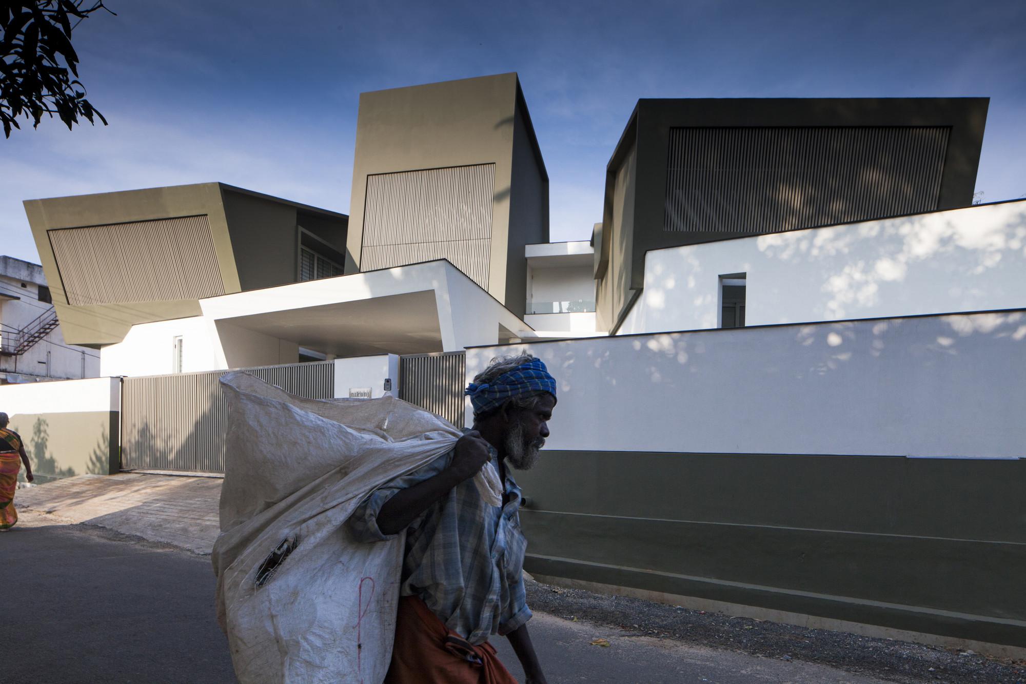 The Skewed House / LIJO.RENY.architects, © Praveen Mohandas