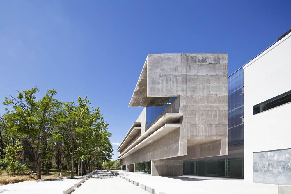 Facultad de Biología Celular y Genética en Alcalá de Henares  / Héctor Fernández Elorza/HFE Arch . Image © Montse Zamorano