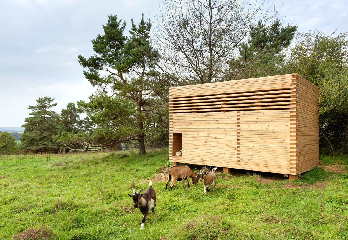 ^ Goat Barn in Bavaria / KÜHNLIN rchitektur  rchDaily