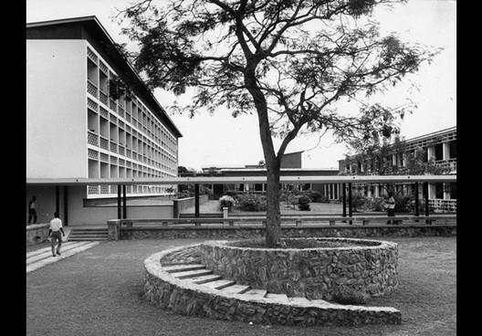 Conjunto Habitacional en Chandigarh. Imagen via RIBA Library and Photographs Collection