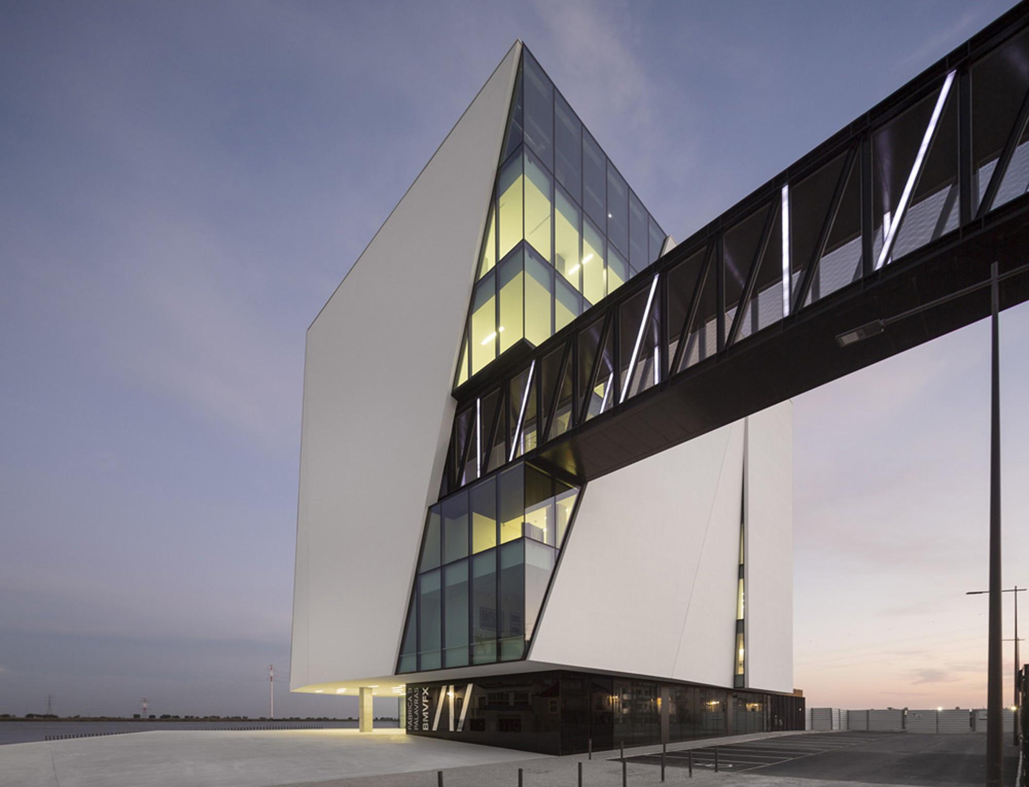 Biblioteca Municipal Vila Franca de Xira / Miguel Arruda Arquitectos Associados, © Fernando Guerra | FG+SG