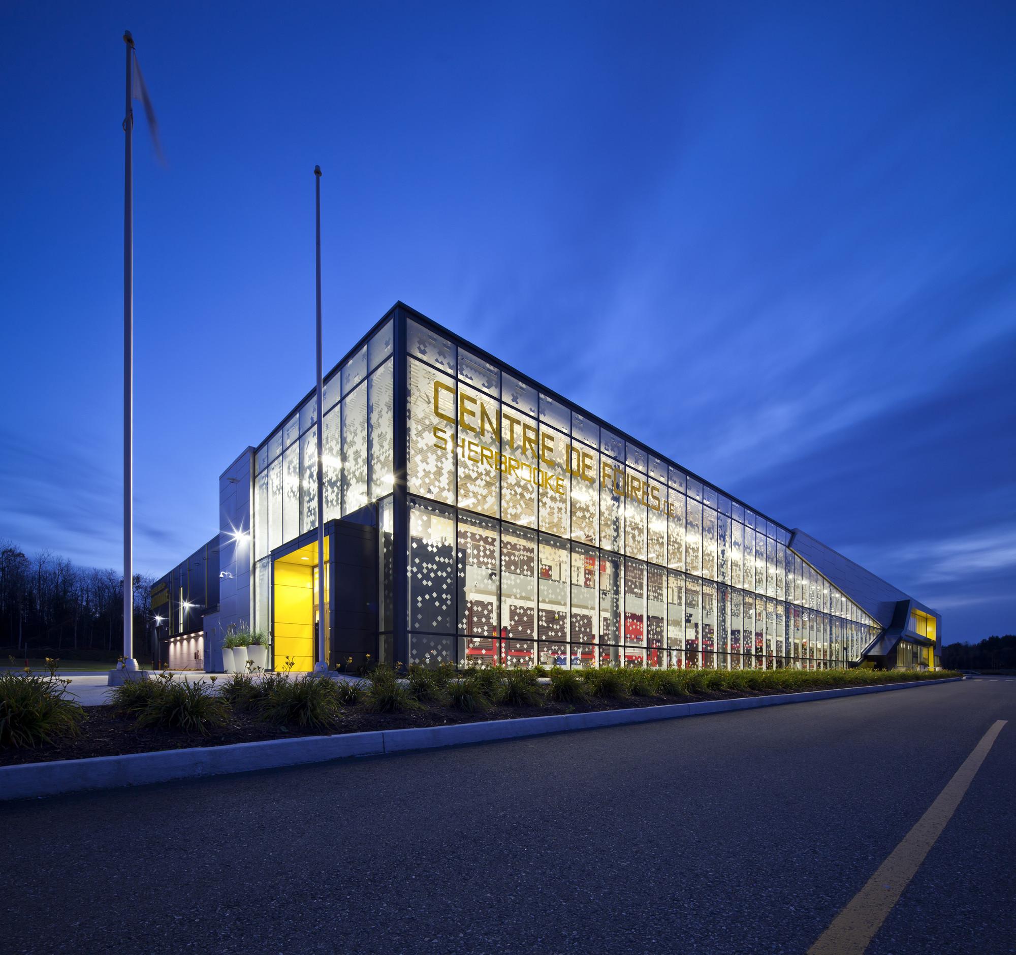 Centro de exposiciones de Sherbrooke / CCM2 Architectes, © Stéphane Groleau