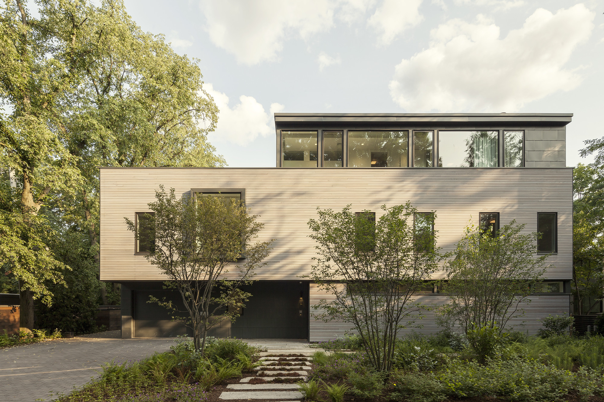 Casa en Cambridge / Anmahian Winton Architects, © Jane Messinger