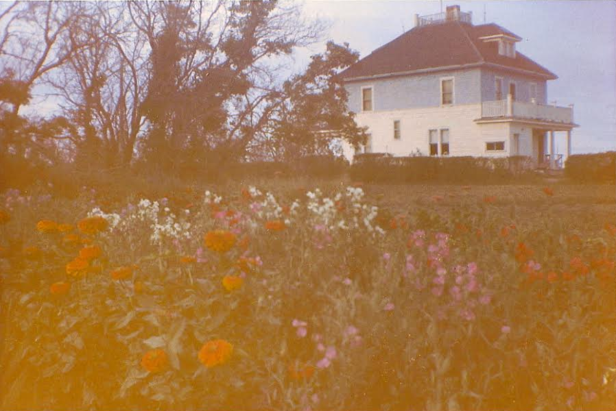Les Henry's family-home in the 1960s. Image © Les Henry