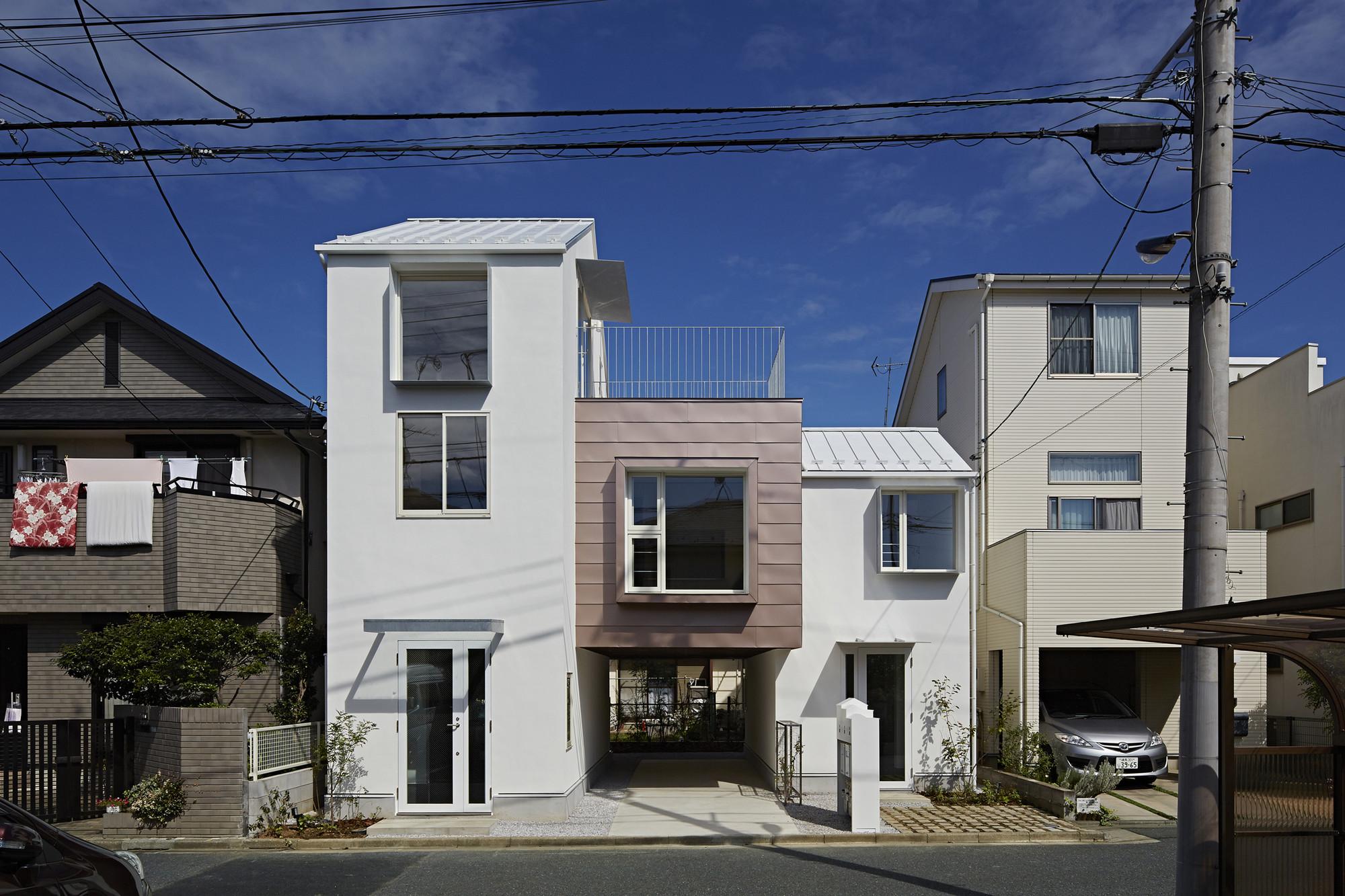Sandwich Apartment  / Ikeda Yukie Architects, © Koichi Torimura