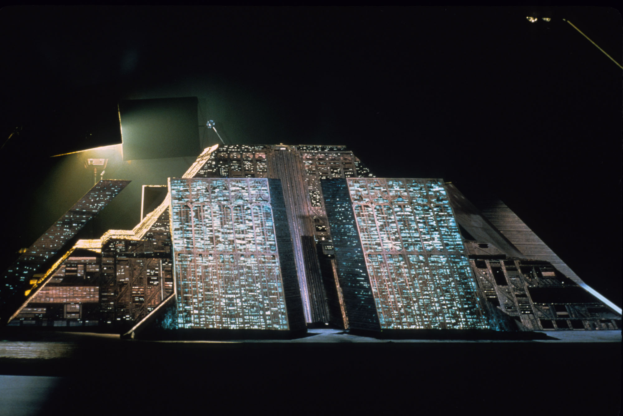 A New, Behind-the-Scenes Look at the Blade Runner Model Shop, via Imgur