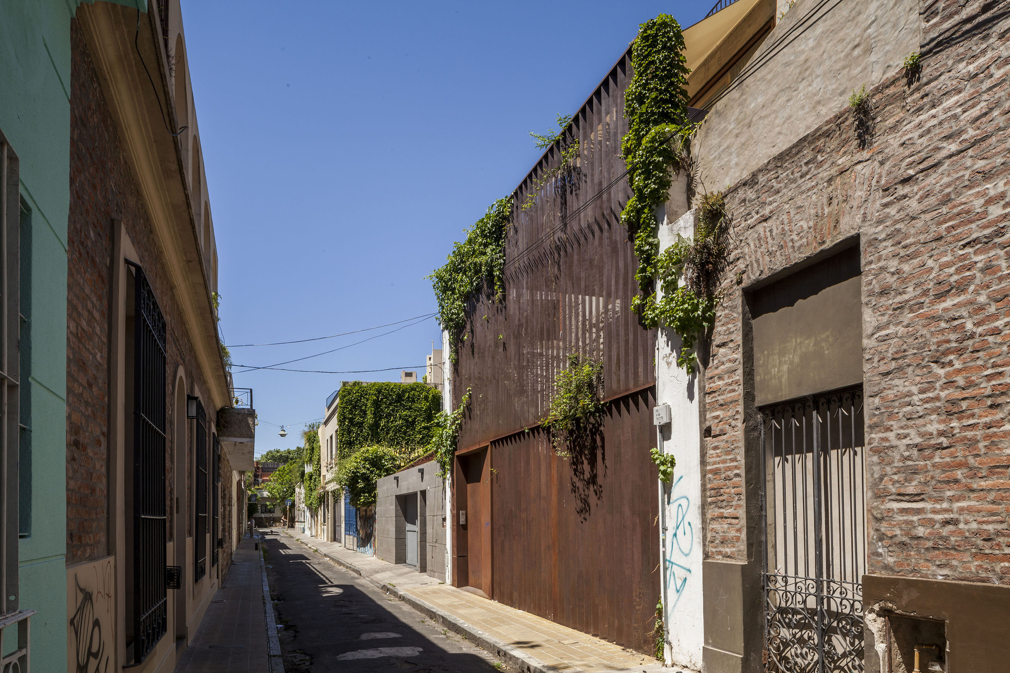Vivienda colectiva pasaje cabrer afra plataforma for Vivienda arquitectura