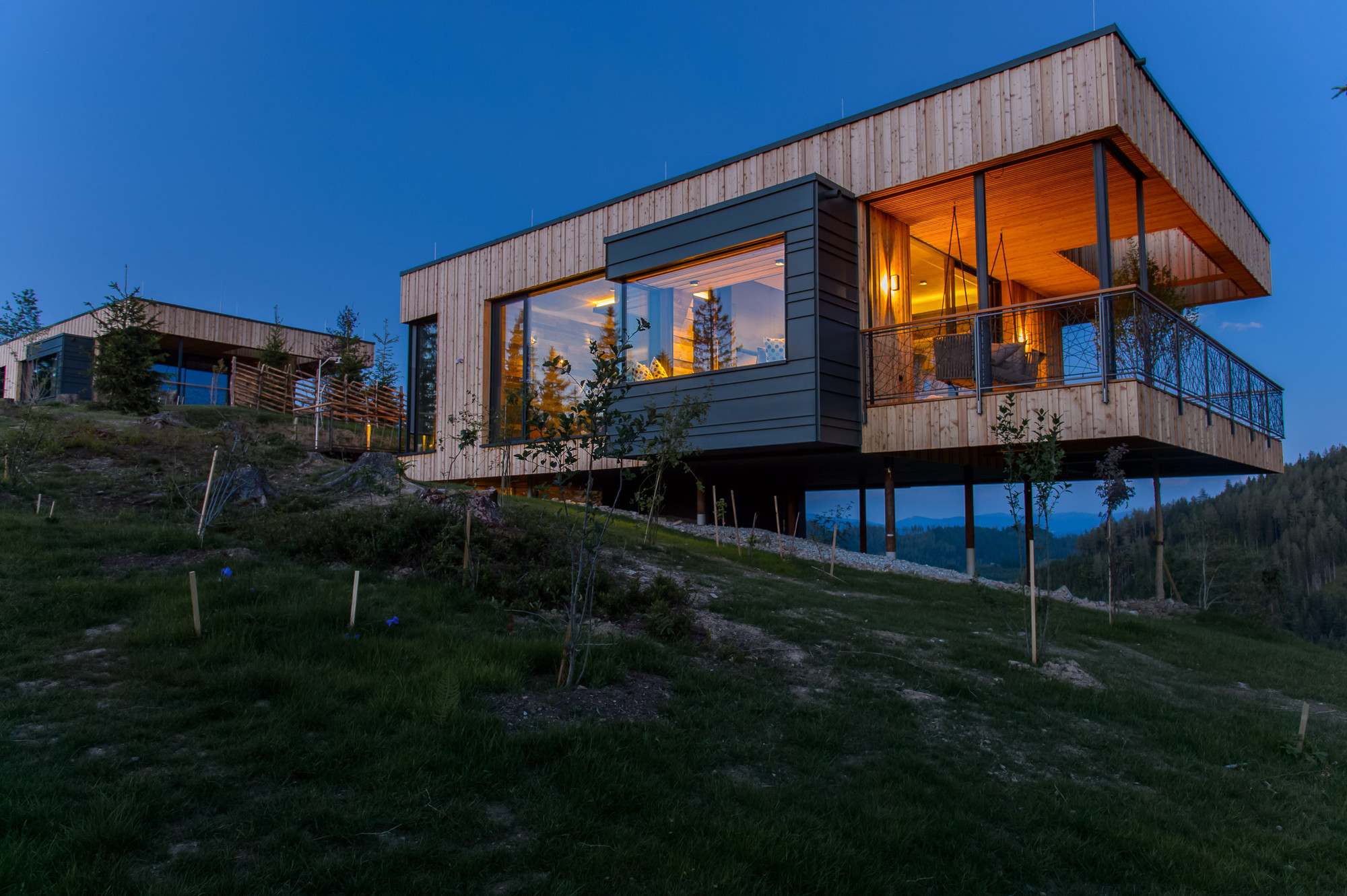 Gallery of deluxe mountain chalets viereck architects 16 for Mtn chalet