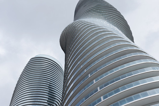 Absolute Towers de MAD Architects. Image © Iwan Baan