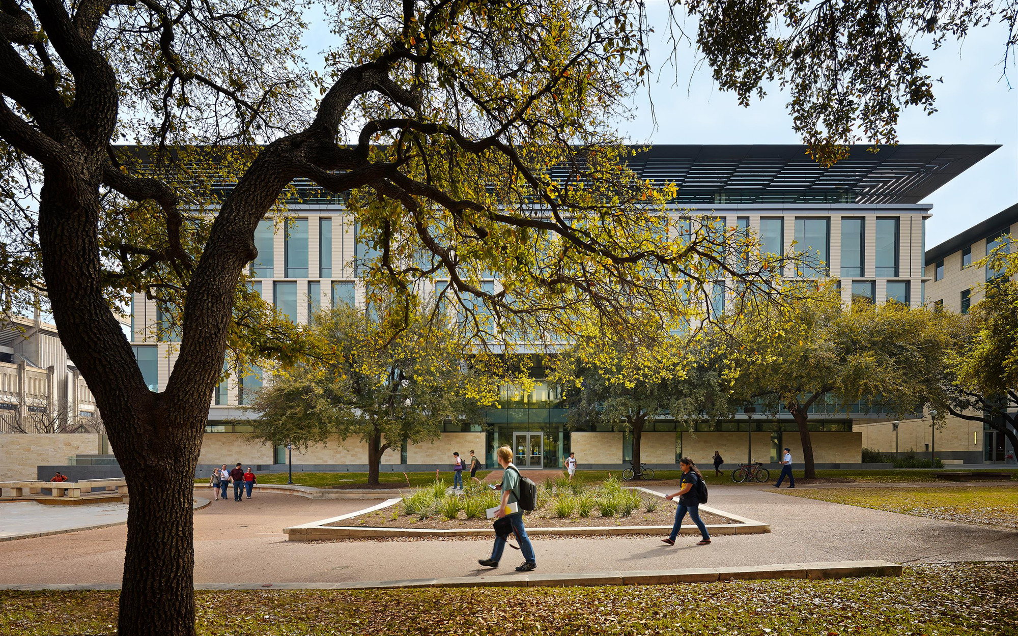 College of Liberal Arts / Overland Partners | ArchDaily