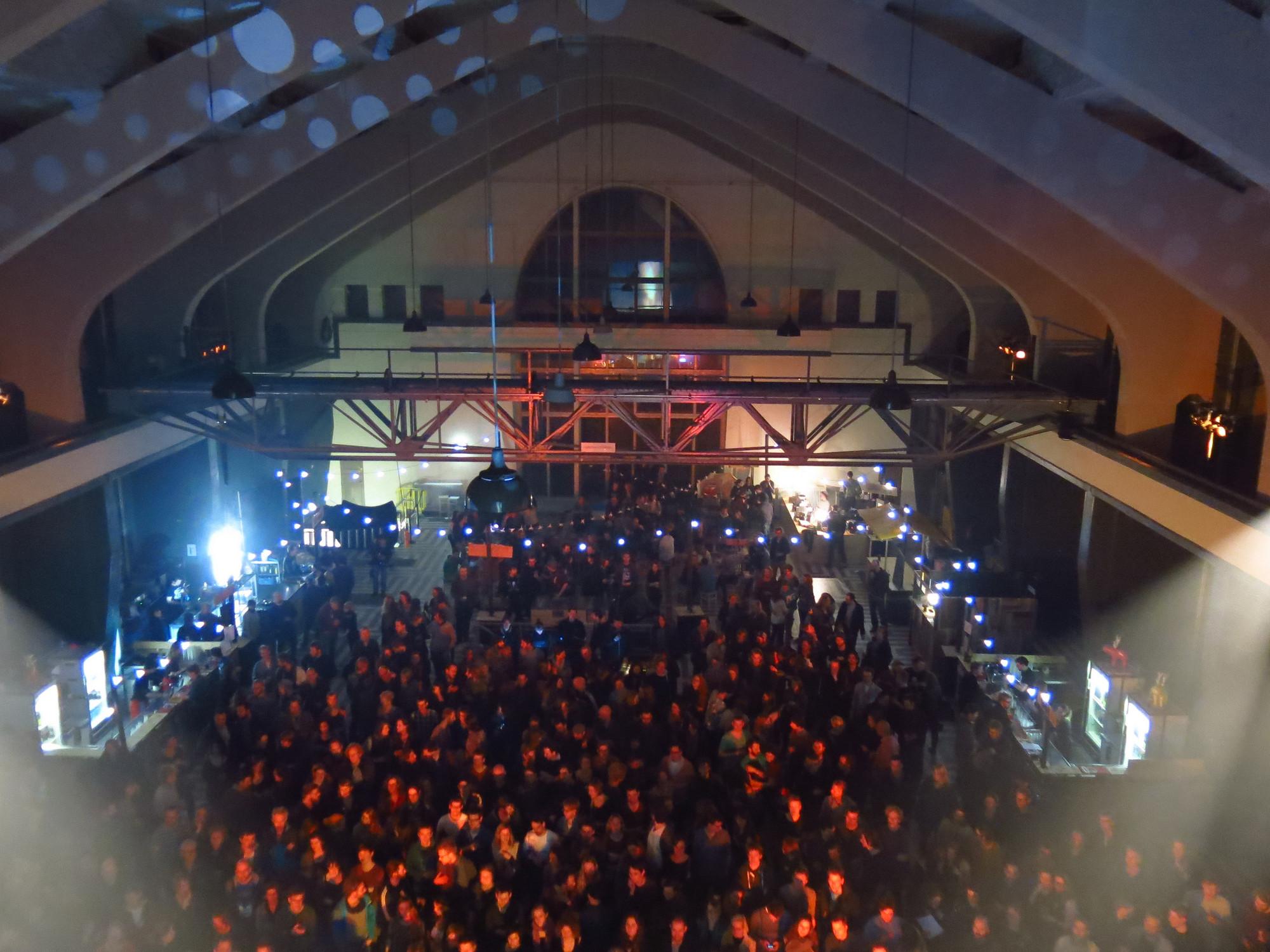 Radio Kootwijk: edificio A, interior reacondicionado para festival Grasnapolsky. Image © Rene Passet [Flickr CC]
