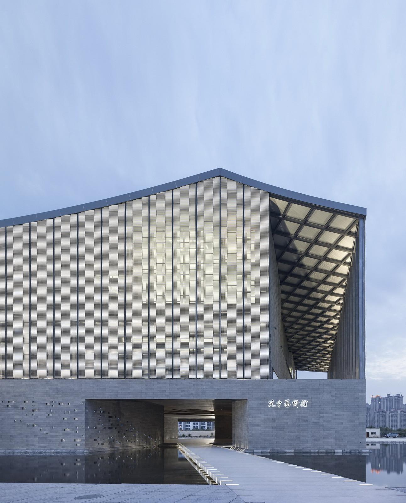 Fan zeng art gallery original design studio archdaily for Origine architecture