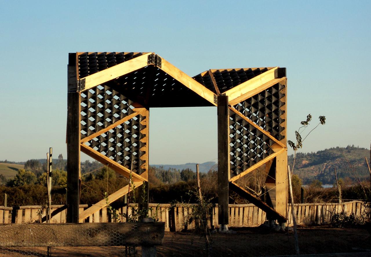 Tetralux: generando nuevos espacios públicos en base al reciclaje de cajas de leche, Portal de Boyeruca. Image Cortesia de Tetralux Arquitectos