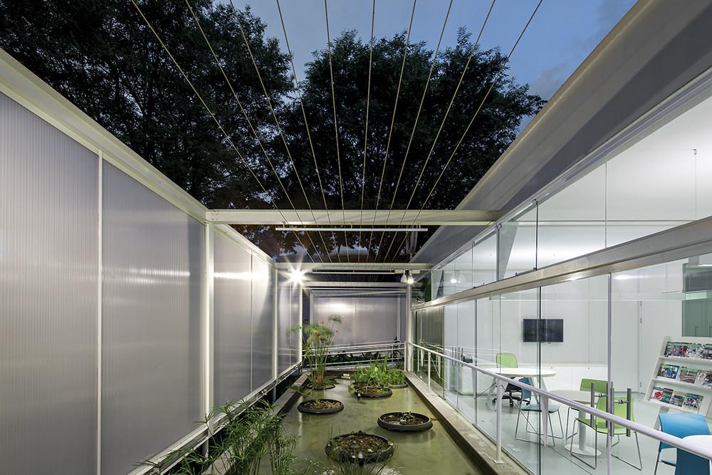 Eco Commercial Building / LoebCapote Arquitetura e Urbanismo , © Leonardo Finotti