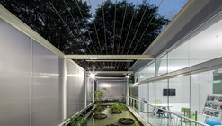 Eco Commercial Building / LoebCapote Arquitetura e Urbanismo