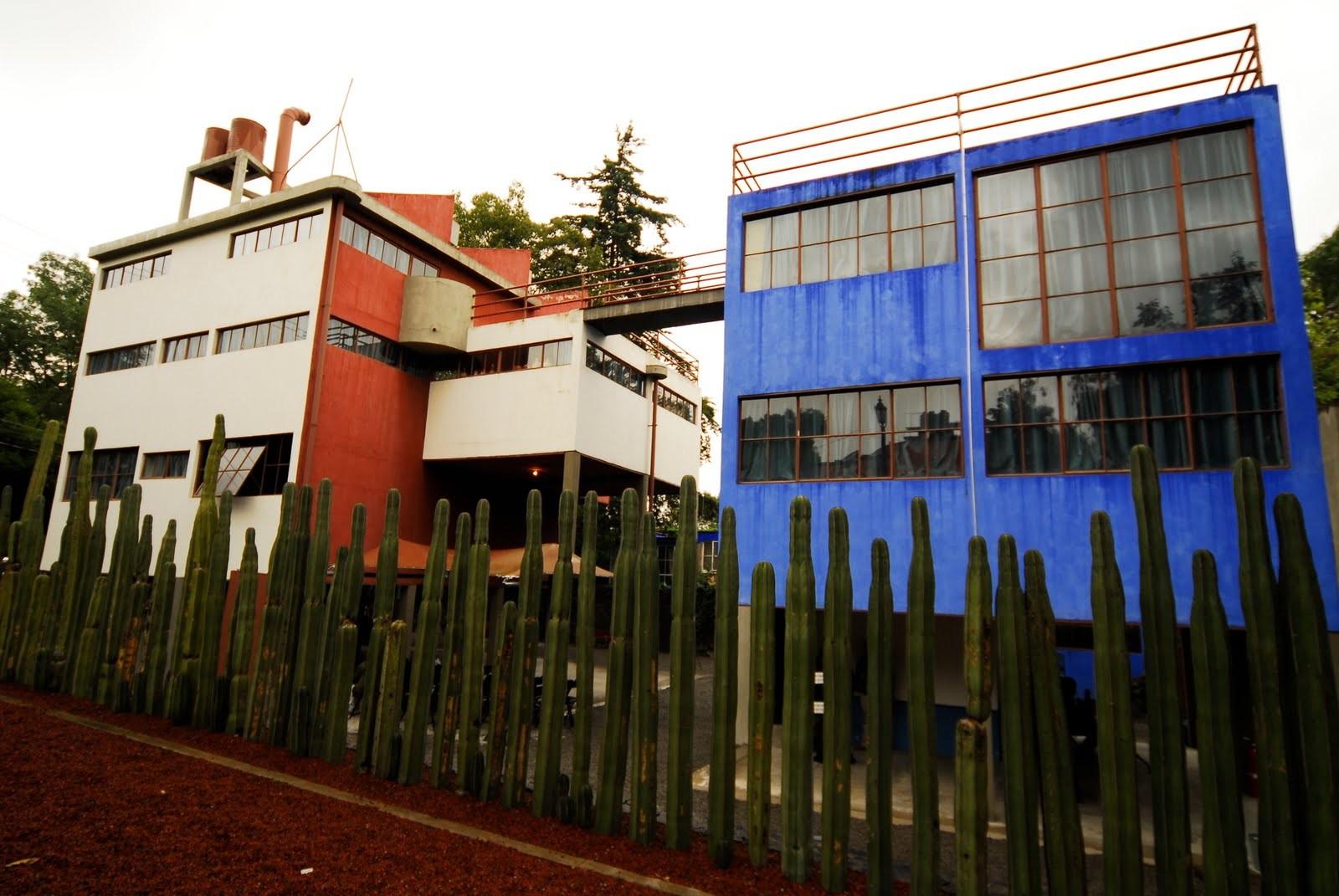 Casa Estudio de Diego Rivera y Frida Kahlo, Juan O'Gorman . Image © dondeestamalinche.blogspot.com