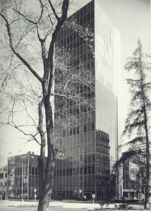 Edificio Jaysour, Augusto H. Álvarez. Image Cortesia Usuario Tumblr IcaroNycteris
