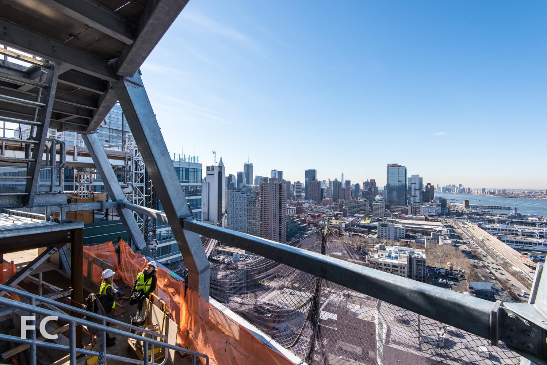 Vista hacia el sur desde la cima de la estructura. Imagen © Field Condition