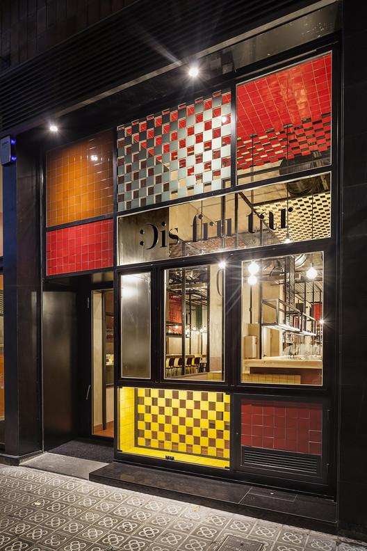 Disfrutar restaurant el equipo creativo archdaily for Equipos restaurante