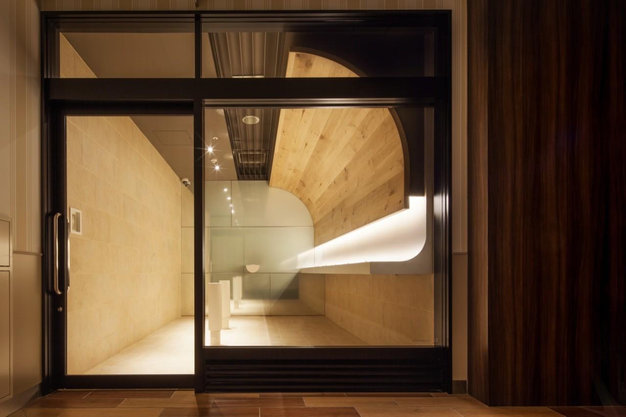 Sala de Fumadores en Centro Comercial / Hiroyuki Ogawa Architects, © Kaku Ohtaki