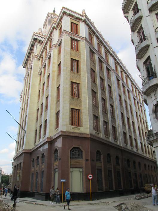 Edificio Bacardí. Image © Karina Nogales