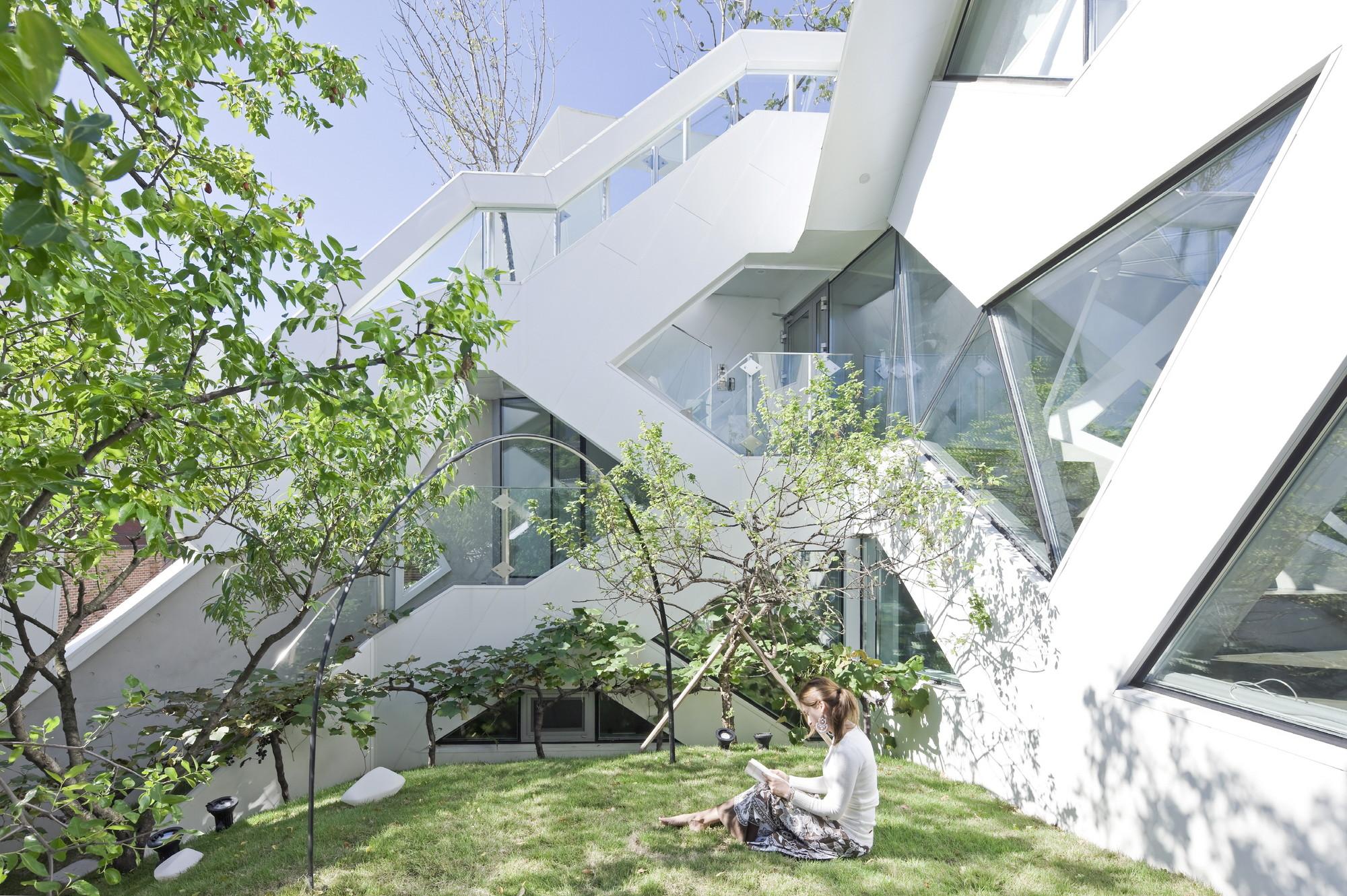 Hwa hun iroje khm architects archdaily
