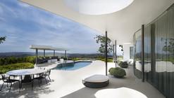 Trousdale Estates Contemporary Home / Dennis Gibbens Architects