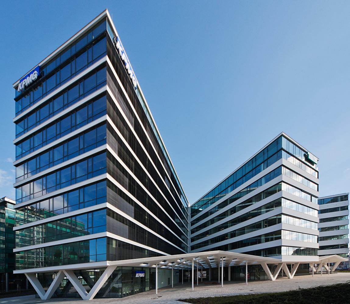 K4 Office Building / 3h architecture