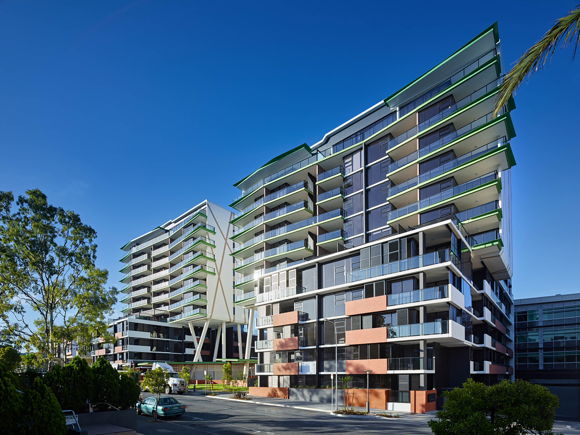 Arena Apartments / Ellivo Architects, © Scott Burrows