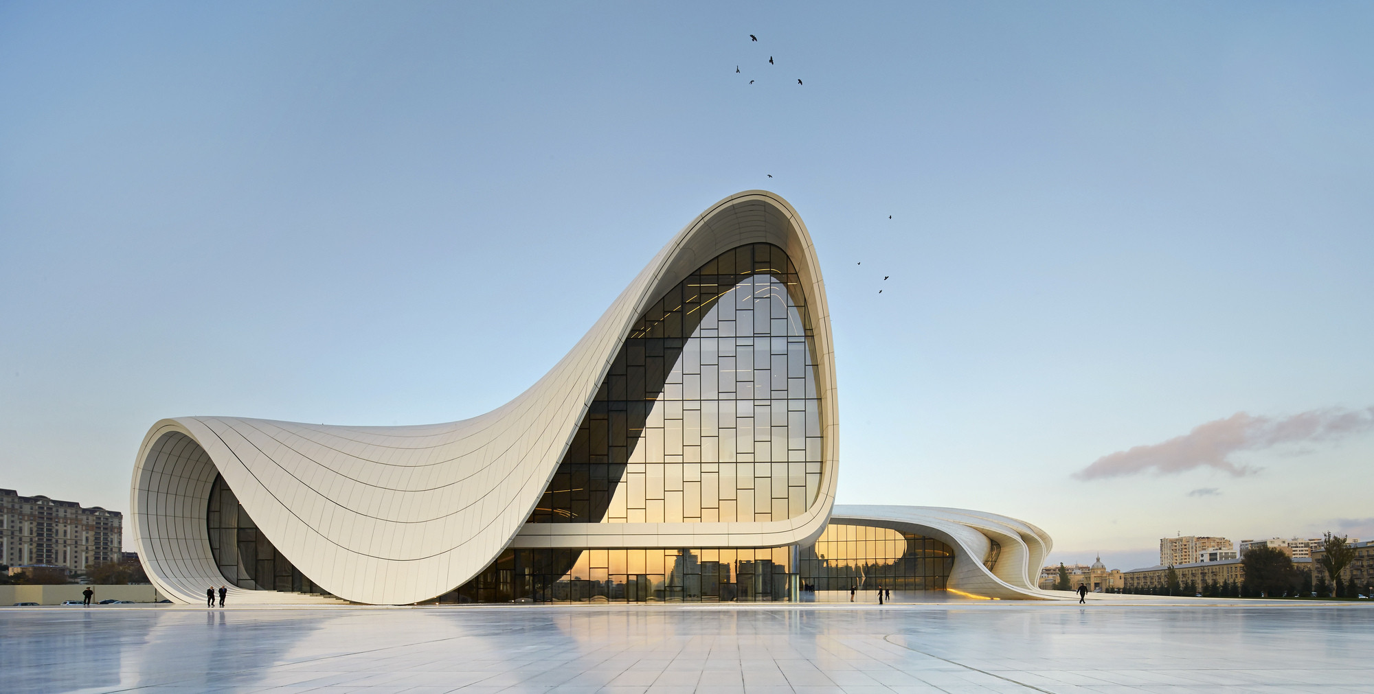 "Patrik Schumacher: ""The Denunciation of Architectural Icons and Stars is Superficial and Ignorant"", Zaha Hadid Architects' Heydar Aliyev Center. Image © Hufton + Crow"