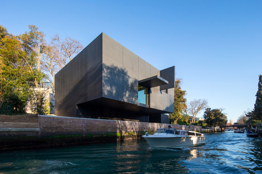 Denton corker marshall completes new australian pavilion for Architecture venise