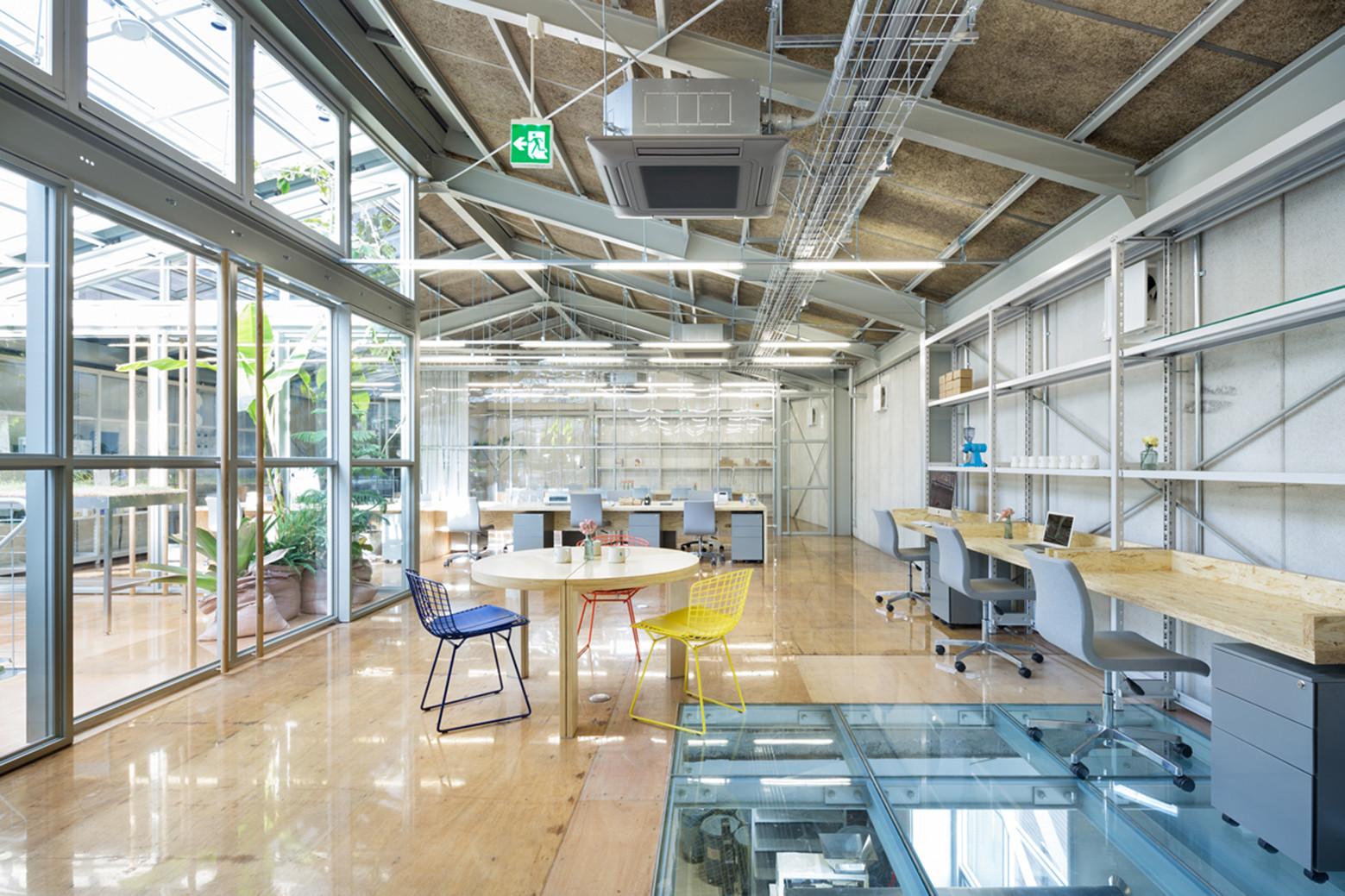 Blue Bottle Coffee Kiyosumi-Shirakawa Roastery & Cafe / Schemata Architects, © Takumi Ota