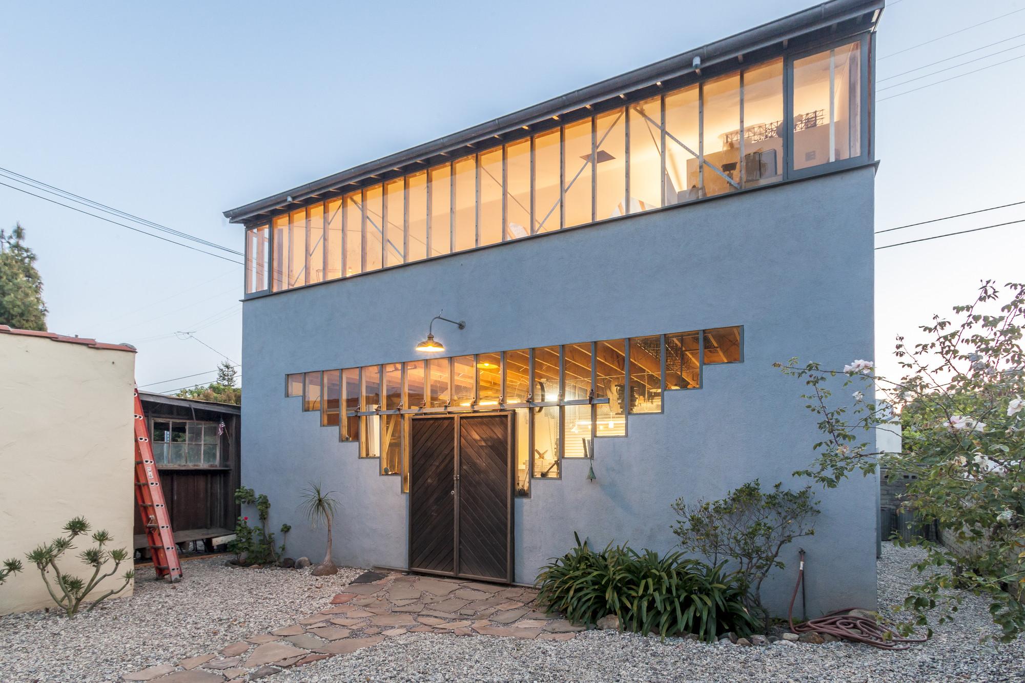 Casa en Princeton St. / Ruben S. Ojeda Architects + Koning Eizenberg Architecture, © Shawn Bishop